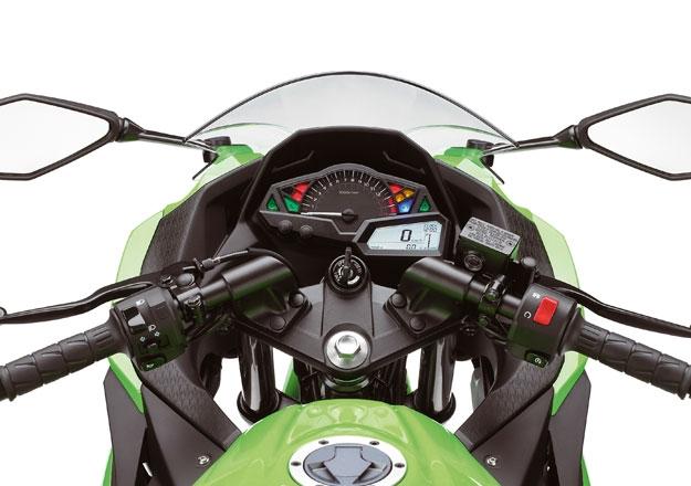 Detalhes painel Kawasaki NINJA 300 ED. ESPECIAL 30 ANOS na Moto Flecha